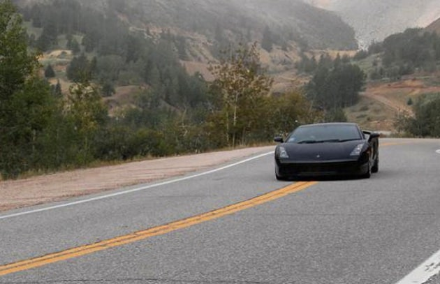 Mollato, vende tutto e gira gli Usa in Lamborghini