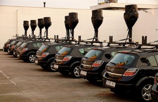 Tornano in strada le auto di Google, ora a prova di Wi-Fi!