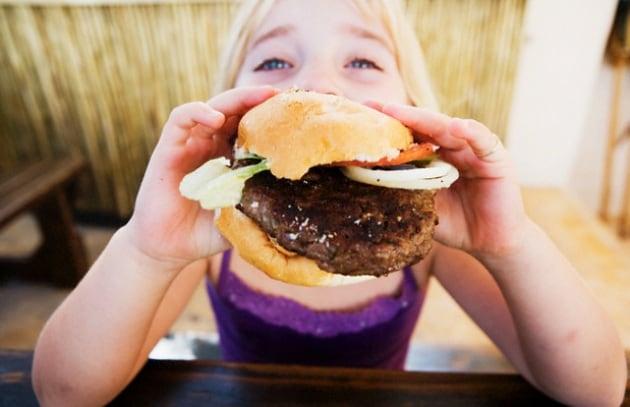 bambina-hamburger_211918