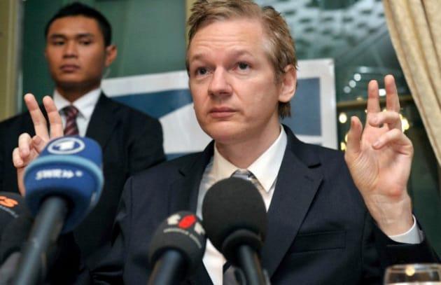 Mandato d'arresto internazionale per Julian Assange