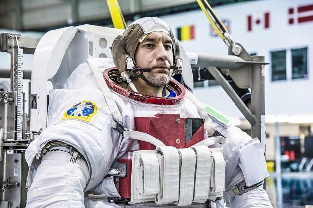 La prima passeggiata spaziale di un astronauta italiano