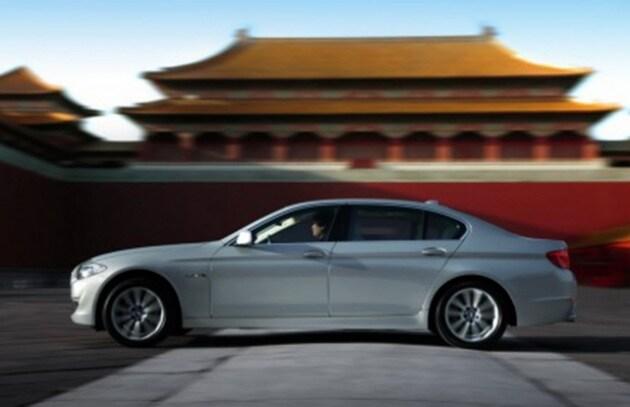 BMW si allea con i cinesi per il web nelle auto