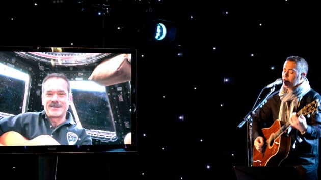 Duetto rock tra la Terra e la ISS