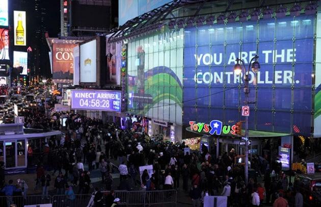 Kinect supera il milione, mentre Nintendo è troppo poco social