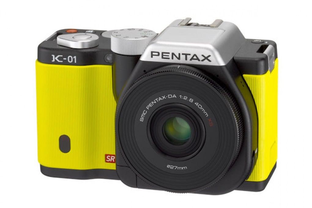 Pentax K-01 è una mirrorless di design