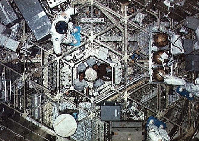 skylab4_inside