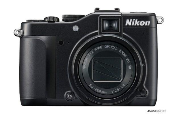 Nikon Coolpix P7000 – 530 €