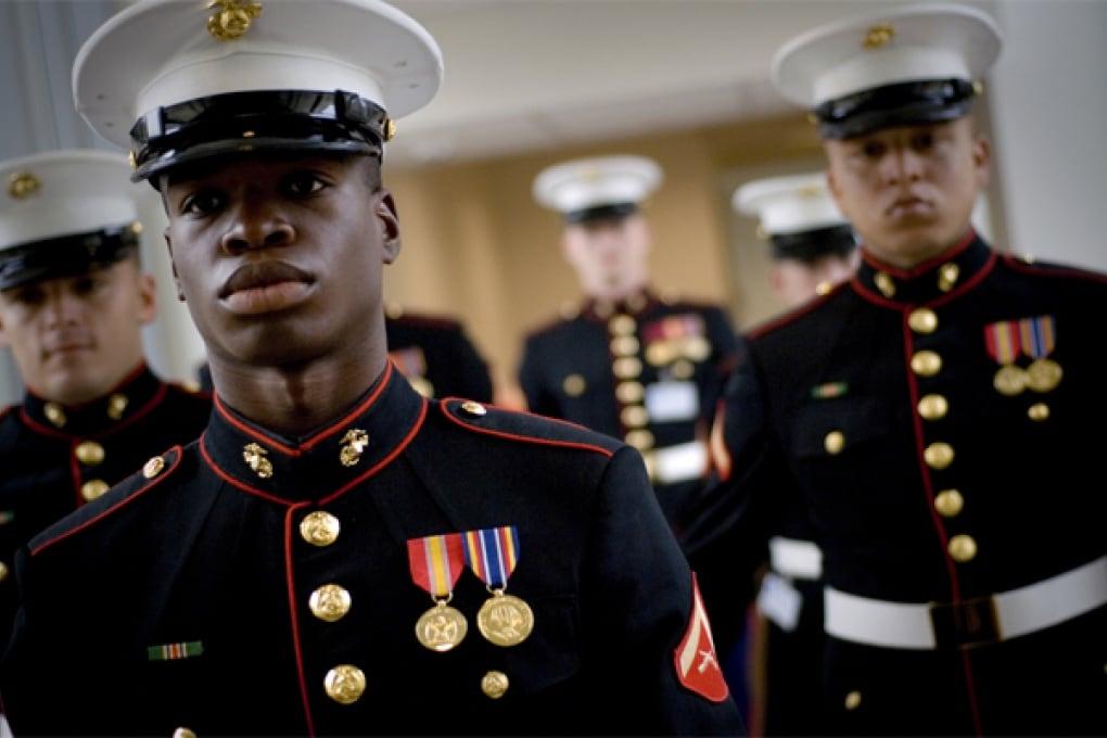 Betty White al ballo dei Marines?