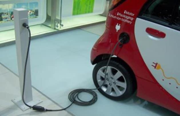 Il carica batterie per auto elettriche compatto e super veloce