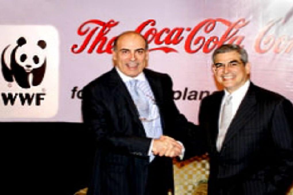 Coca-Cola si allea con il WWF per combattere l'anidride carbonica