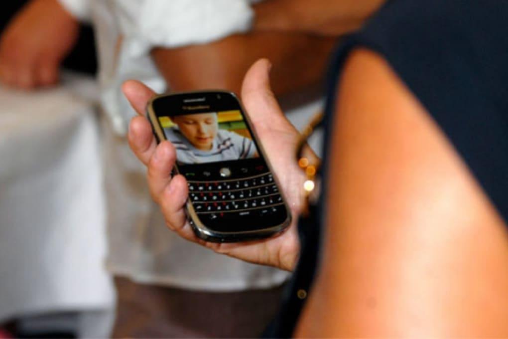 Chi si aggiudicherà l'infinita guerra smartphone?