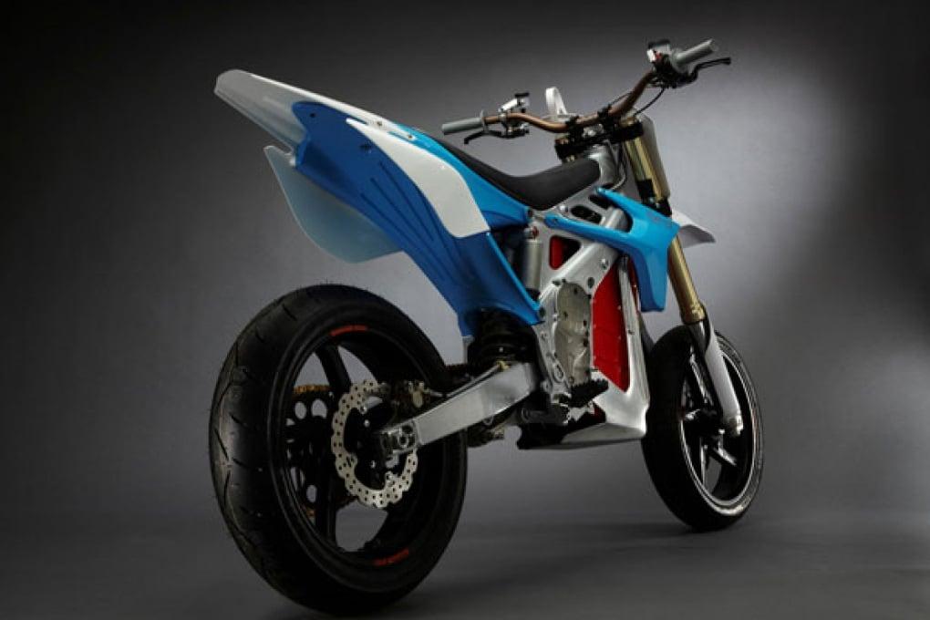 Le eco moto vanno… ad aria (o a batteria)
