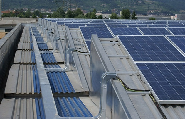 Le case giapponesi verranno rivestite di pannelli solari