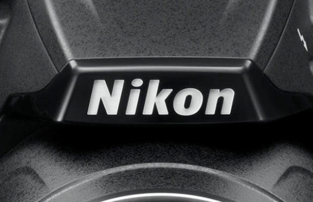 Anche Nikon ha la sua mirrorless