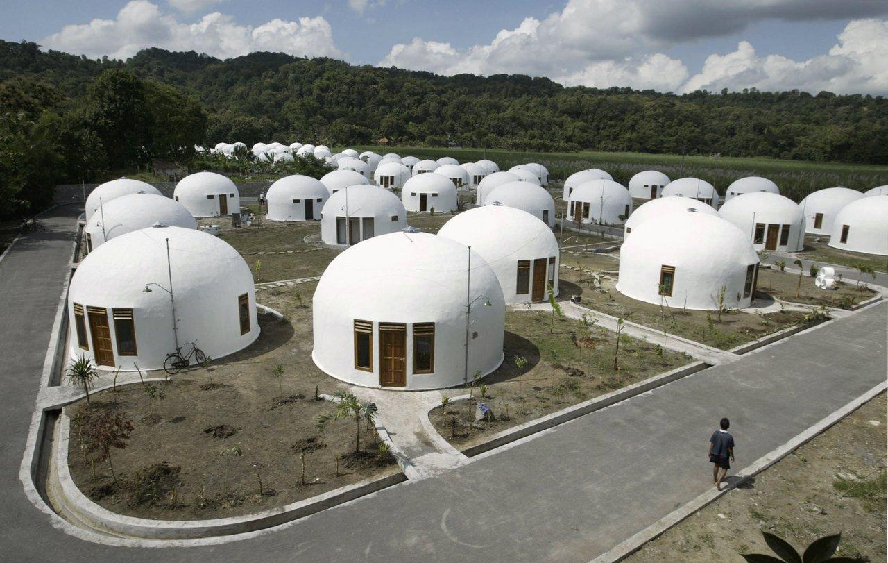 Una Casa A Due Piani Resiste Di Piu Al Terremoto  semarang 2022