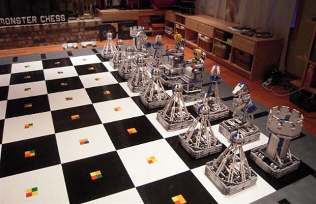 la robo-scacchiera più grande del mondo