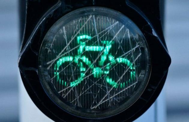 Il decalogo del ciclista metropolitano italiano