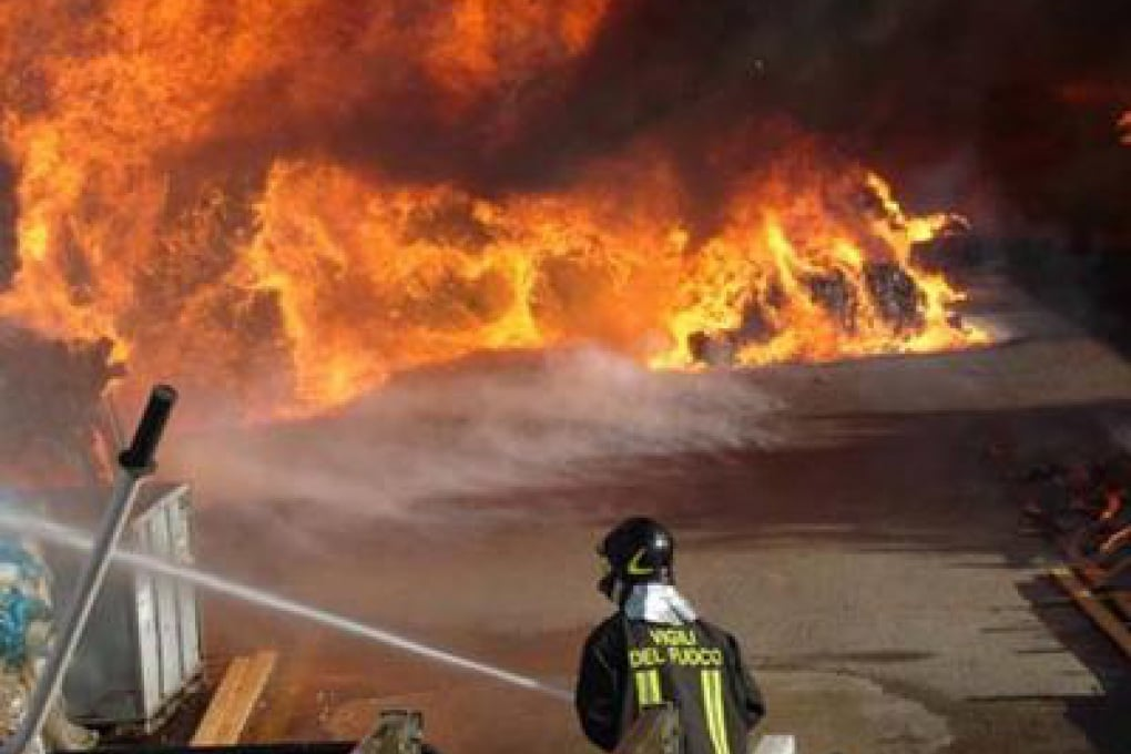 Bruciata la Città della Scienza: i commenti da Twitter e Facebook