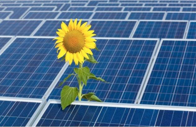 Pannelli Fotovoltaici Raffreddati Ad Acqua.Energia Solare Ibm Investe Nei Pannelli Fotovoltaici Per Data