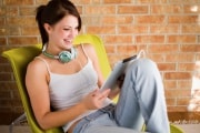 ragazza-tablet-cuffie-619x400_208547