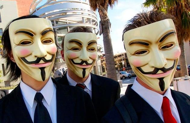 Anonymous attacca la Cina: molti siti offline!