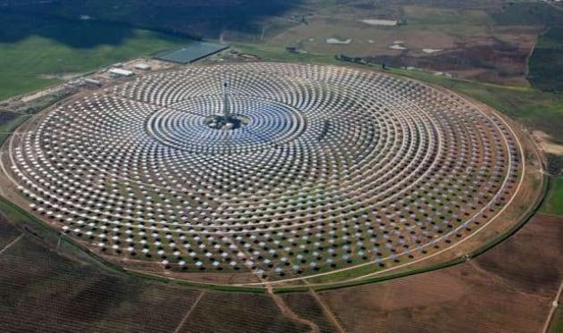 Gemasolar energia solare anche di notte - Centrale solare a specchi ...