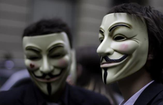 Anonymous annuncia il botto...