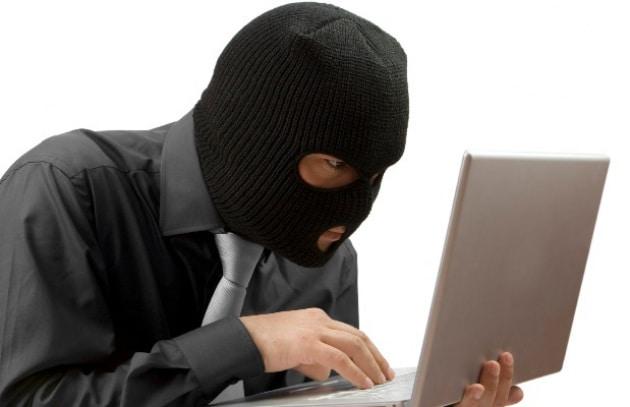 Anonymous: arrestati hacker italiani