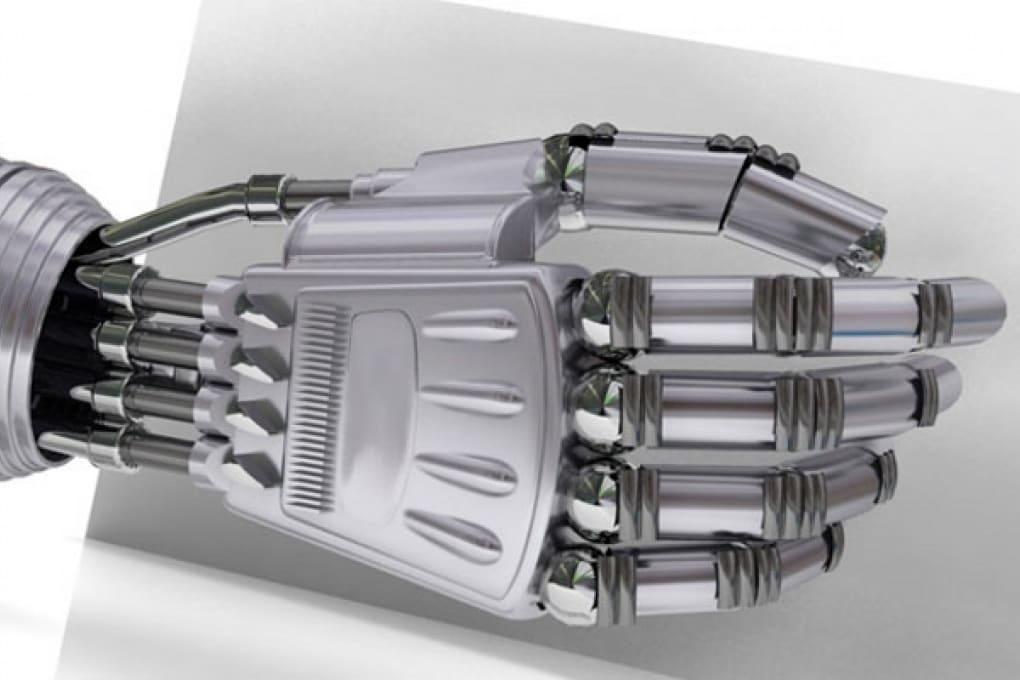 Il braccio artificiale pilotato dal cervello