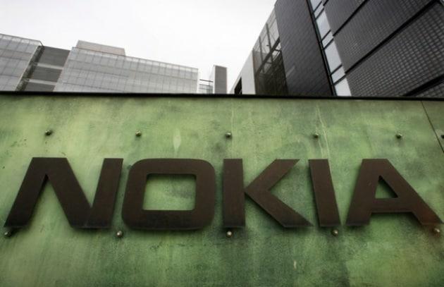 Nokia inizia la crescita ma ancora cambi al vertice