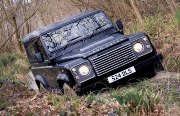 La Land Rover Defender in versione elettrica per i Safari