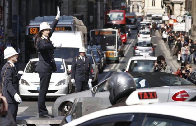 EU: via le auto a benzina e diesel dalle città