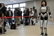 ragazza-robot-619x400_194531