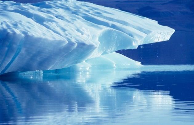Artide: il ghiaccio si scioglie più in fretta del previsto