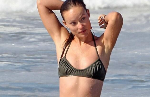 Hot bikini 2010: Jessica Alba, Megan Fox, & C. scaldano l'estate