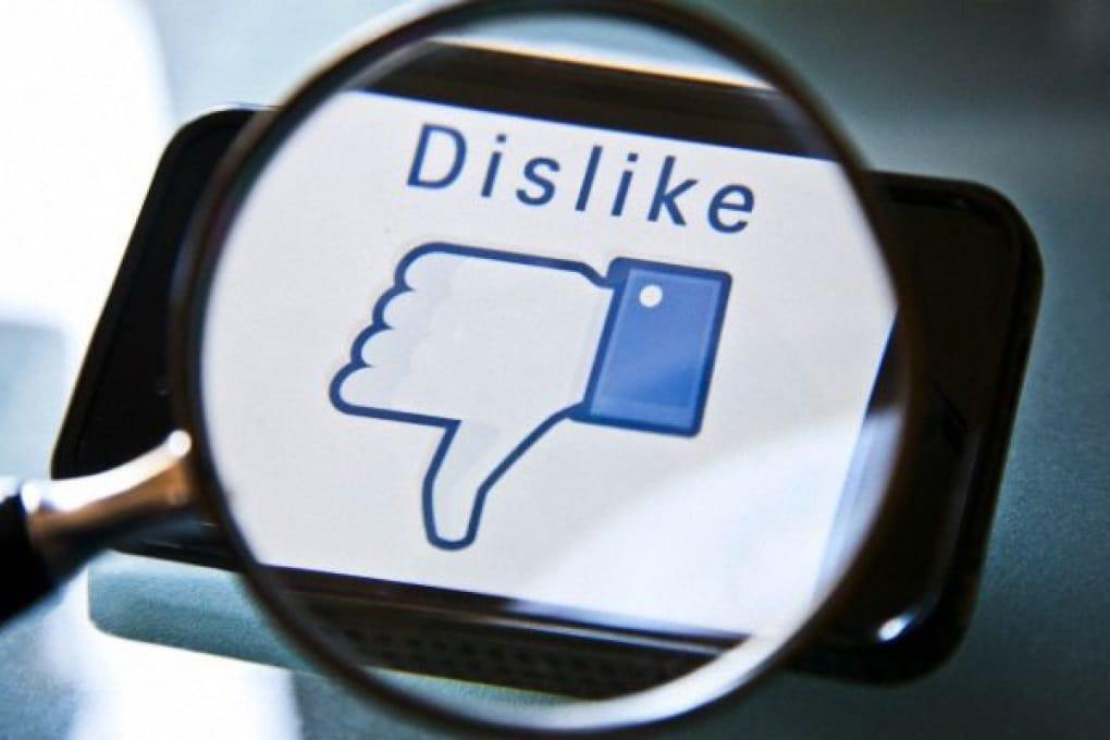 Facebook crolla in borsa. E non è finita...