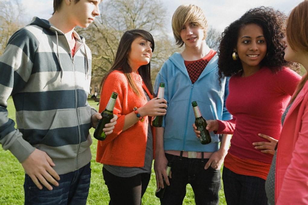 L'alcol fa più male agli adolescenti che agli adulti?