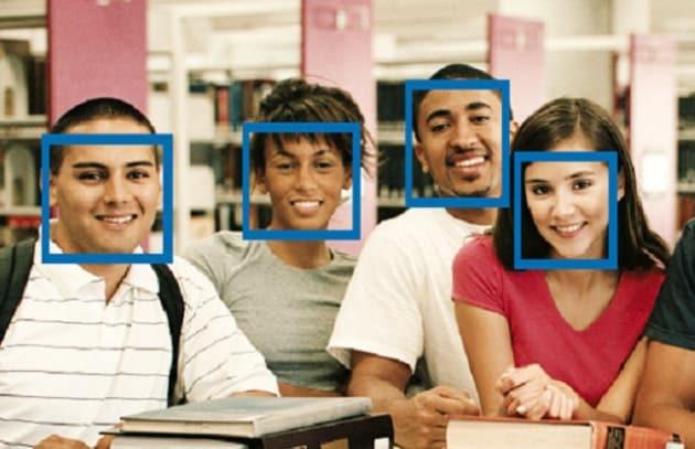 Autoscatto a riconoscimento facciale: pensa a tutto l'iPhone!