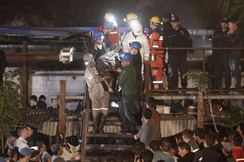 La tragedia nella miniera di carbone di Soma in Turchia: più di 200 morti