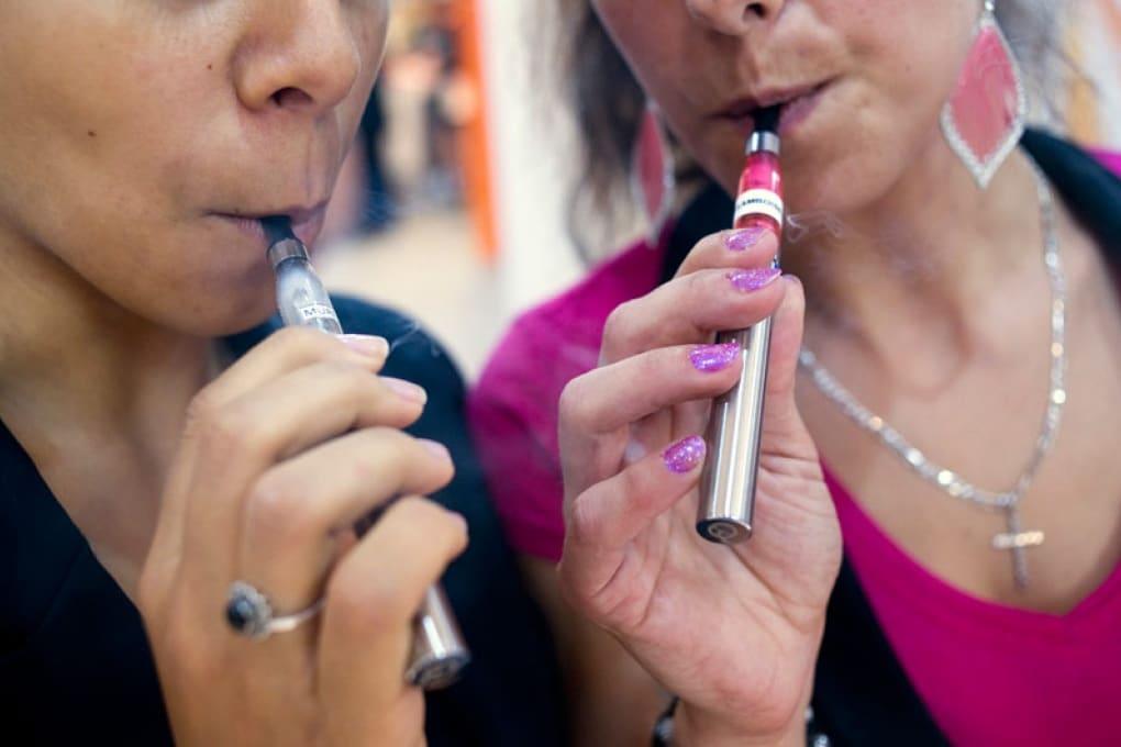 eCig e sigarette: quale fa il danno maggiore?