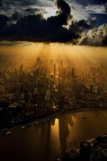 Shanghai vista dalla cima di una gru