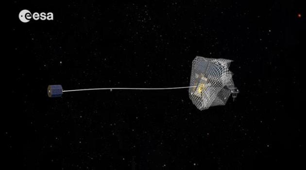 La rete per andare a pesca di satelliti