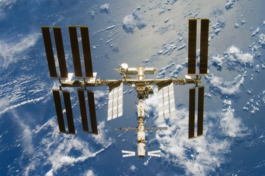 the_international_space_station_seen_from_space_shuttle_discovery_after_the_sts-124_mission_fullwidth