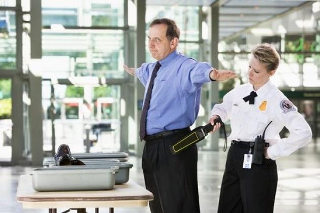 In aereo: che cosa si può davvero portare nel bagaglio a mano?
