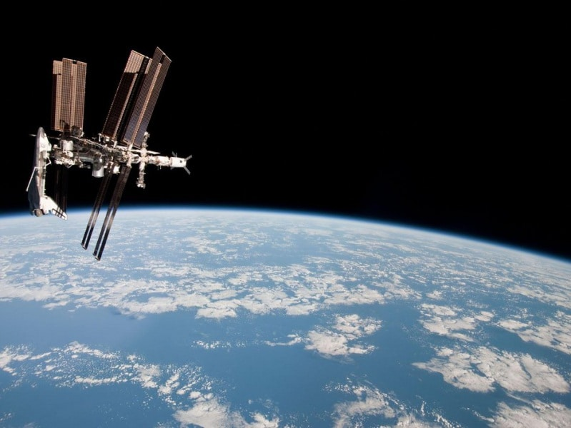 the_international_space_station_with_atv-2_and_endeavour_fullwidth