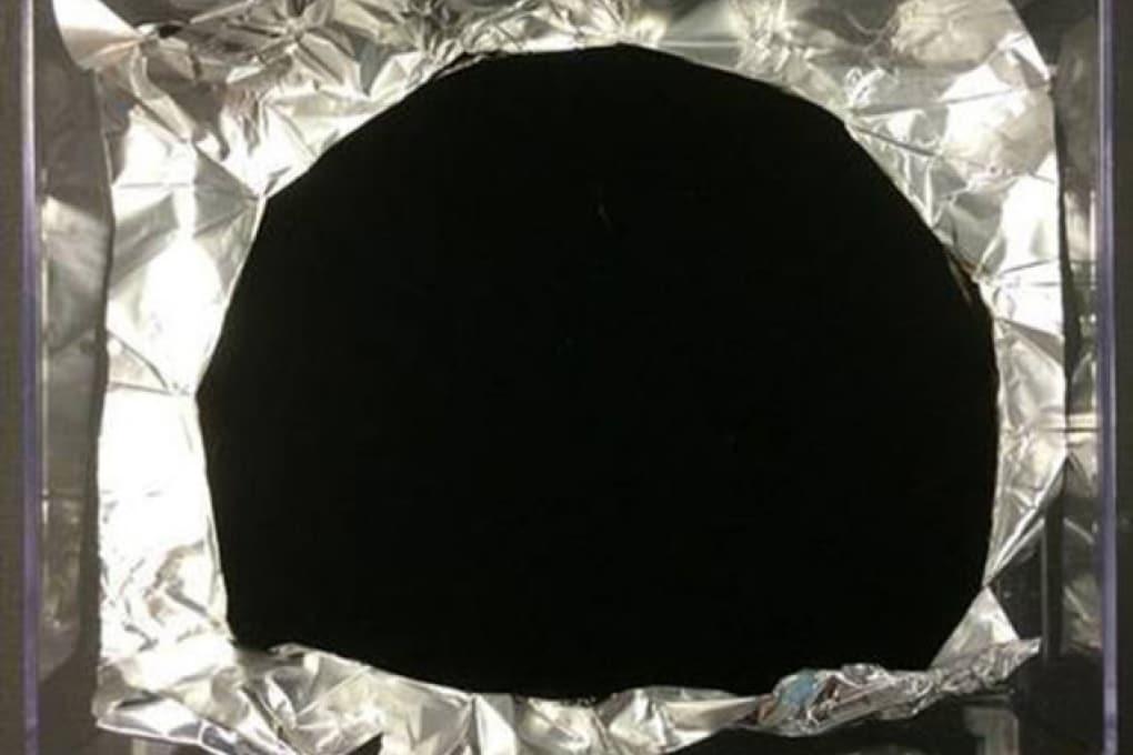 Creato il materiale più scuro del mondo
