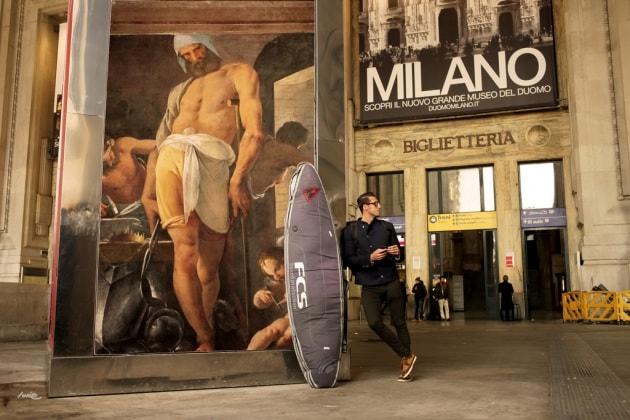 Milano e l'arte che cancella la pubblicità