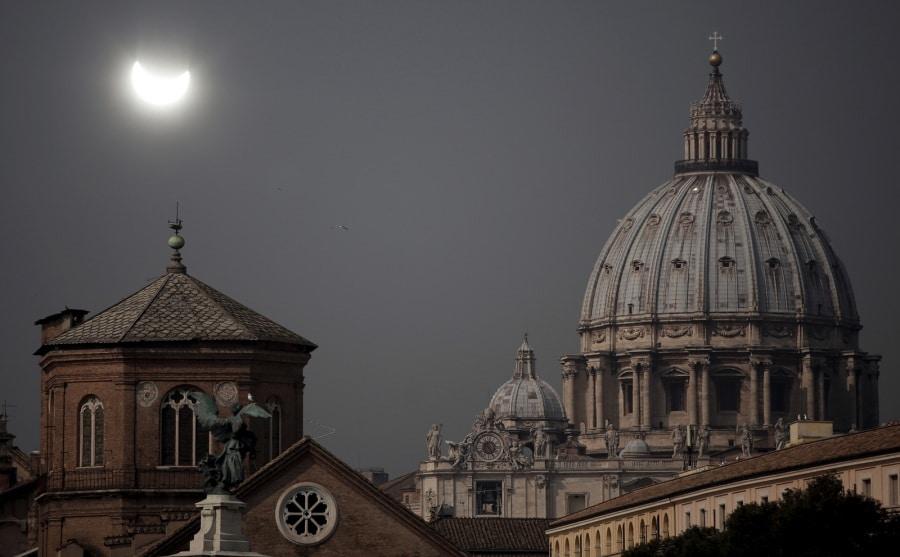 Risultati immagini per san pietro eclisse