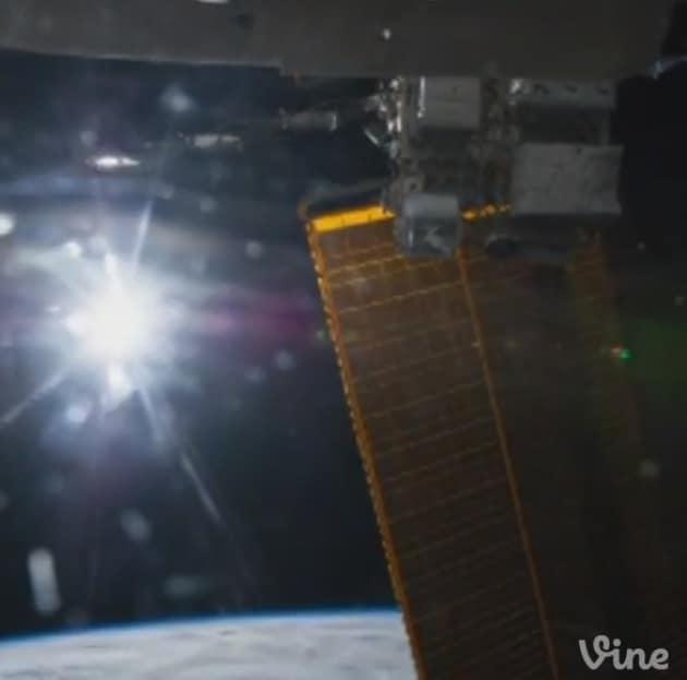 Il primo Vine dallo Spazio, con un Sole che non tramonta mai