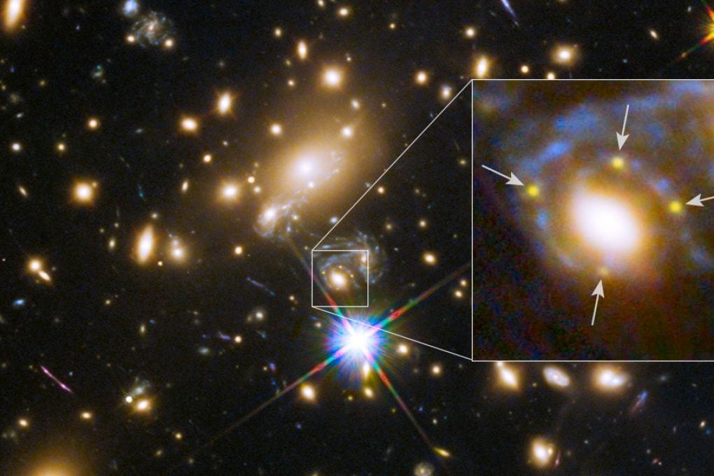 La supernova si fa in quattro con l'ammasso di galassie